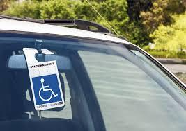 Ce que vous devez savoir quant aux conditions d'admissibilité et obligations du titulaire d'une vignette de stationnement